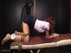 緊縛巨乳絶頂凌辱調教 監禁開脚緊縛された巨乳美女がマンコを電マ責めされ...