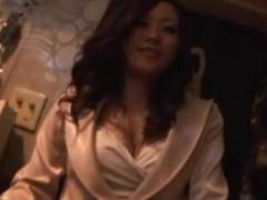 浦〇の地元密着型スナックのママを半ば強引に口説いて店内でハメ撮りセッ...