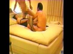 個人撮影 肉感ムチムチな素人おばさんが性欲ありまくりホテルで3Pファック