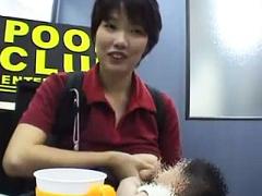 これぞ性欲ガイジ! ! 出産直後の熟女が赤赤ん坊におっぱい授乳しながらAV...