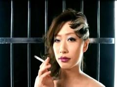 エロケバ美熟女の卑猥な口元と舌で誘惑されて... フェチ動画