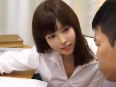 女教師が引きこもり男子を励ます為にセックスするはずが間違ってアナルに...