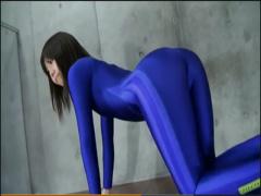 美尻、美脚を強調する青の全身タイツの軟体お姉さん!