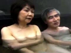 還暦の性欲 倦怠期の熟年夫婦が旅行で再び燃え上がる