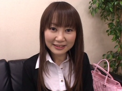 センズリ鑑賞 25才美容関係OLさやかちゃんが可愛いピンクの下着姿でおちん...