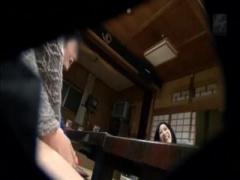 スワッピングマニアの夫婦が温泉旅館で別夫婦をナンパして夫婦交換に挑戦