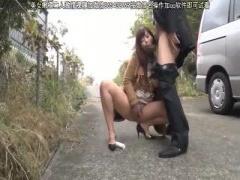 野外露出オナニー むっちむちの巨乳妻が野外で羞恥変態オナニー!