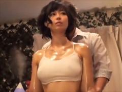 〝寝取られ中出しマッサージ〟スレンダー美乳人妻がおっぱい搾られて母乳...