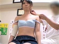 女子校生を卑猥な手つきで診察する整体院の盗撮動画! 先生、そこは違いますぅ