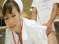 深夜のナースステーションで看護婦さんに跨られ突いてと言われて激しく突...