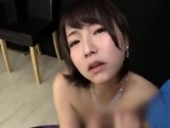 ドS痴女の手コキ亀頭責めで男の潮吹きさせられるM男動画