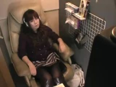 オナニー隠撮 個室ビデオでオナニーに夢中になりついつい喘ぎ声が漏れちゃ...