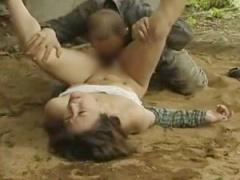 ヘンリー塚本 強姦魔が農作業中の人妻に襲いかかり連続強制種付け!