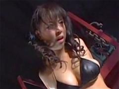 ヒロイン凌辱 首締められ電流拷問されアヘアヘになる女スパイ