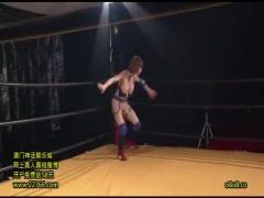 巨乳女子プロレスラー Iカップグラドルの手島優激似な巨乳アイドルレスラ...
