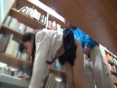 三つ編み童顔なJKを図書館で痴漢レイプ動画