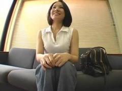 爽やか人妻さんのセンズリ鑑賞動画 35歳働くお姉さんはエロかった センズ...
