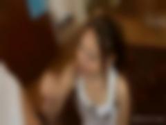 上目遣いのフェラ&手コキでM男を強制射精させる痴女動画
