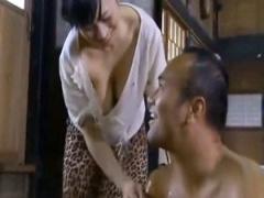 ヘンリー塚本 間男の身体を献身的に洗い不倫する淫乱主婦w