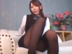 OL痴女の黒パンスト足コキでザーメン採取されるM男の動画