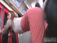 素人 満員バスの中でタイトスカート美女が会社員の股間に美尻を押し付け発...