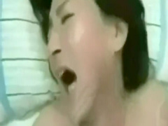 個人撮影 五十路熟女がイキすぎて号泣 もうダメぇぇえ! 感激のアクメ!