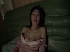 人妻ナンパ 久しぶりのセックスに大興奮する五十路の未亡人