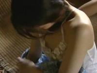 ヘンリー塚本 昭和の農家、洗濯する母にかくれて屋根裏部屋で義父に抱かれ...