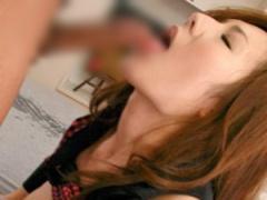 巨乳妻が旦那が仕事中に同じマンションに住む若い男と寝取られセックス