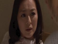 母子相姦 娘婿に再び性処理をお願いされるお義母さん。困るとと断るがチン...