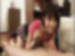湊莉久がM男のちんぽを踏んでるM男向けにたまらんからのフェラチオプレイ動画