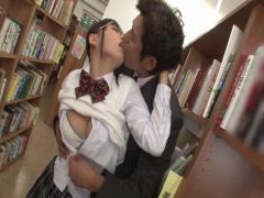図書館でモジモジしてる女の子に痴漢したらセックスさせてくれた