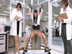 SOD女子社員 250000回転の電マをY字 ブリッジなど子宮に振動が最も伝わる...