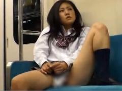 超ミニスカ制服露出 電車内でパンツで固定されたバイブをミニスカから覗か...