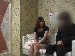 本番行為禁止の風俗店の面接に訪れた巨乳妻を講習でチンポを入れる店長