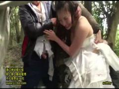 ウエディングドレスの花嫁が、泣き叫びながらクズ野郎たちに輪姦中出しレ...