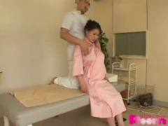 ムチムチ巨乳熟女がエロマッサージ受けての生ハメ中出しNTRの一部始終を盗撮!