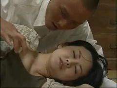 巨乳の人妻熟女、浅井舞香の近親相姦寝取られプレイ動画。 ヘンリー塚本作品
