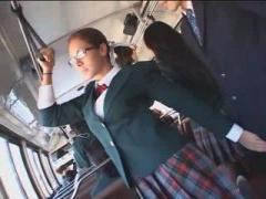 バスでメガネJK痴女に逆痴漢されるM男動画