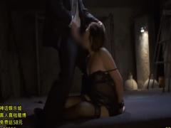 美人のアラフォー巨乳熟女を拉致監禁し、両手を拘束し、イマラチオ!