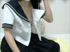 無修正&ライブチャット 可愛い黒髪膨らみかけおっぱい制服美少女おまんこ...