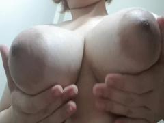 ムッチリ豊満素人お姉さんがプルプル巨乳を見せつける!
