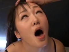 媚薬効果で固定されたバイブを自ら膣に出し入れする快楽を貪る姿! 大量失...