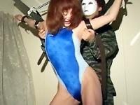 32分連続競水美女ガチンコくすぐり拷問