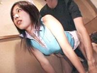 居酒屋で客にバレないように強制SEX2
