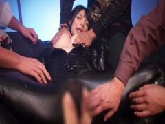 囚われた女捜査官 上原亜衣が肢体を蹂躙される恥辱に悶絶