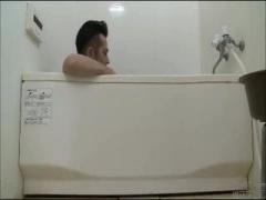 ヘンリー塚本 風呂から出てきた無防備な巨乳娘なタンクトップ胸チラに欲情...