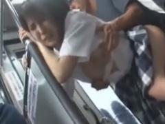 バス通学中にレイプ痴漢されるJKの動画