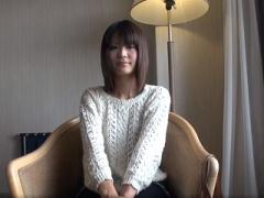 無修正 北海道でゲットした20歳の素人美少女に大量中出しするハメ撮り映像