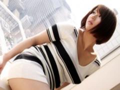 無修正 美巨乳の家政婦は性処理までしてくれるエロカワ娘